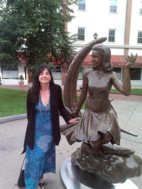 Tracey with the Bewitched Statue