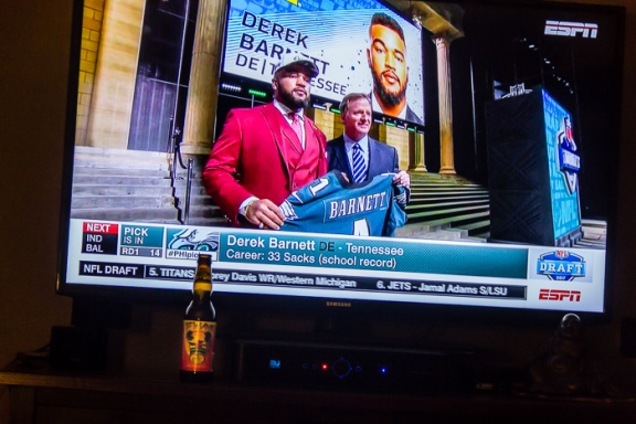 The Eagles' first pick in the 2017 draft - Derek Barnett. The board played favorably for the birds leaving three or four quality picks by the time they were on the clock. I think this was a good one - let's hope.